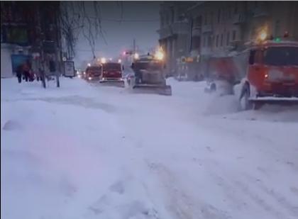 Курган завалило снегом. «Люди, это же стихия и бедствие!»