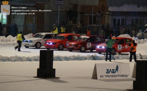 На шадринском стадионе «Торпедо» прошли соревнования по трековым автогонкам